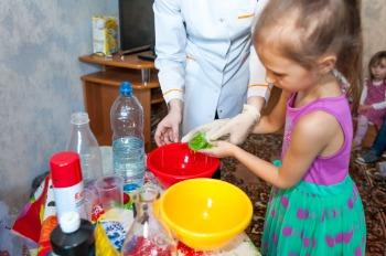 """Химическое шоу для детей """"Лаборатория чудес"""" за 75 руб."""