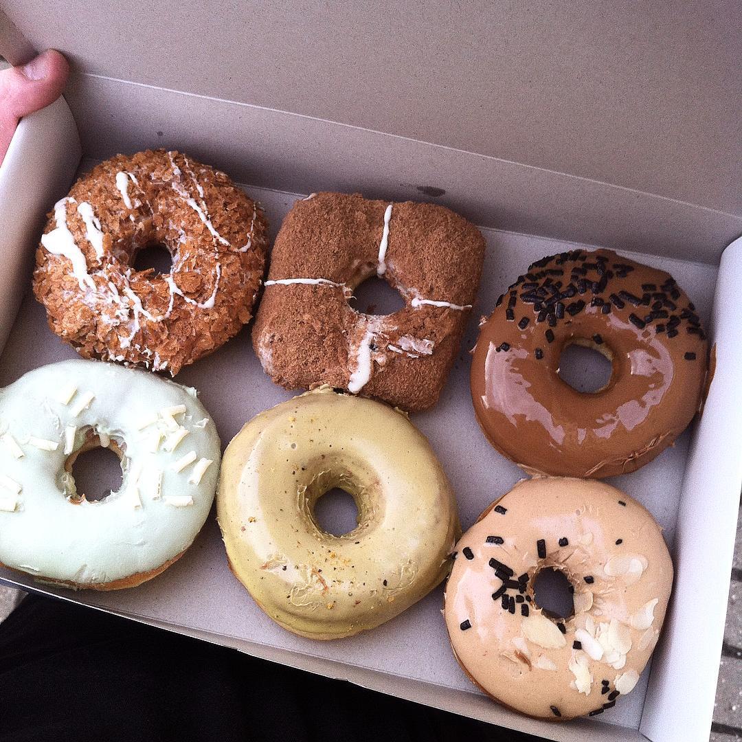 Пончики и кофе в DONUTBOX всего от 3,70 руб.