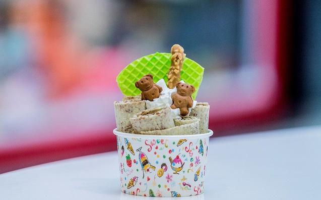 Ice-Roll - жареный ролл из мороженого за 2 руб.