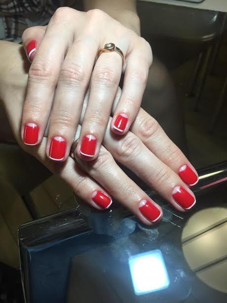 Долговременное покрытие ногтей на руках или ногах за 12 руб.