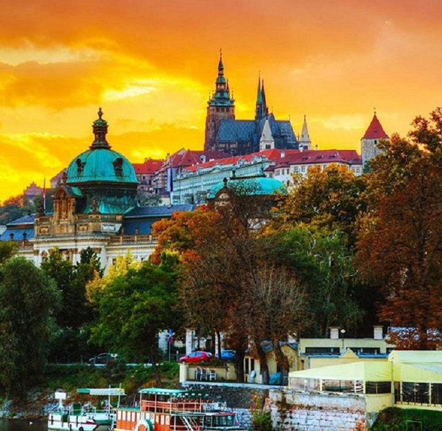 Тур выходного дня в Прагу от 123 руб.*/4 дня