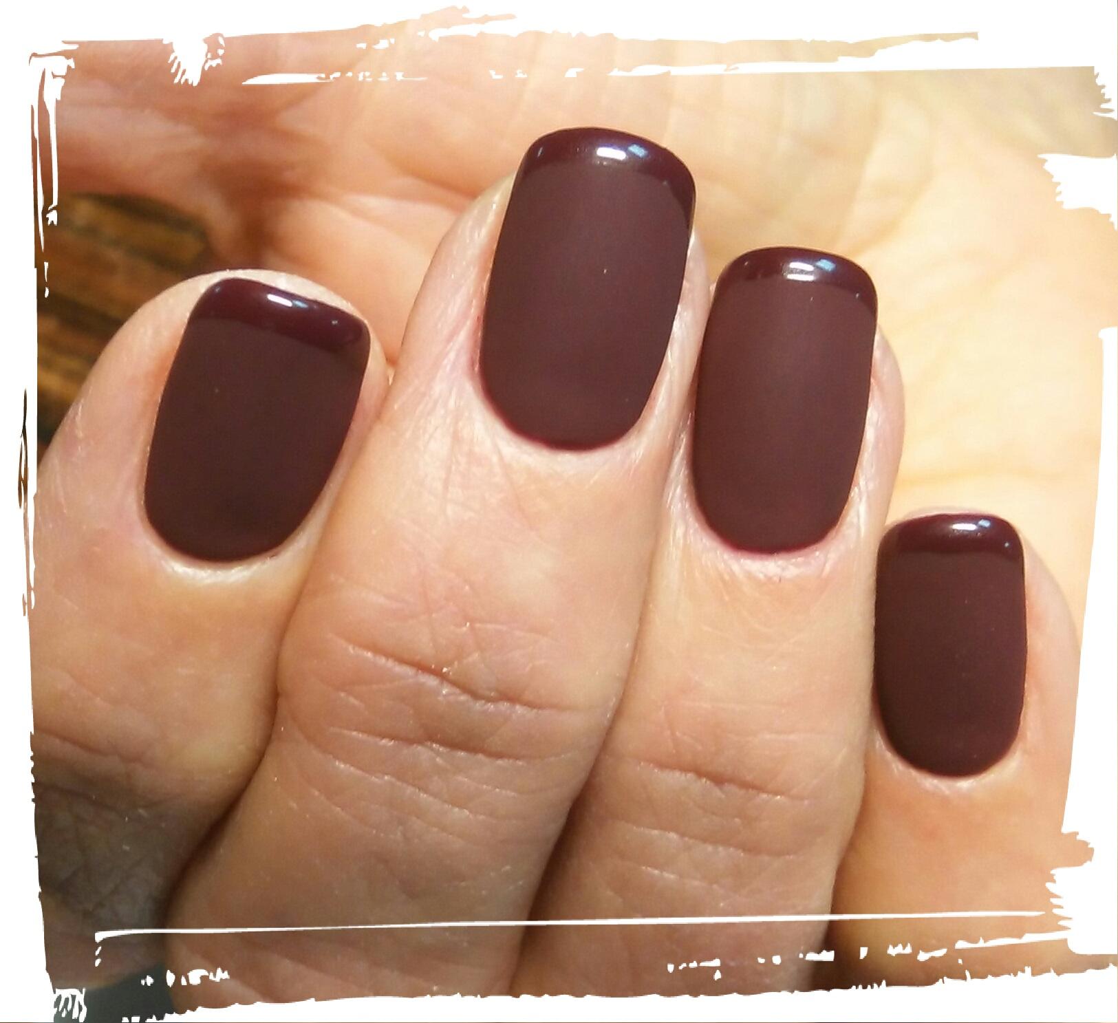"""Маникюр/педикюр + долговременное покрытие, укрепление ногтей IBX от 7 руб. в нейл-студии """"Вайлет"""""""