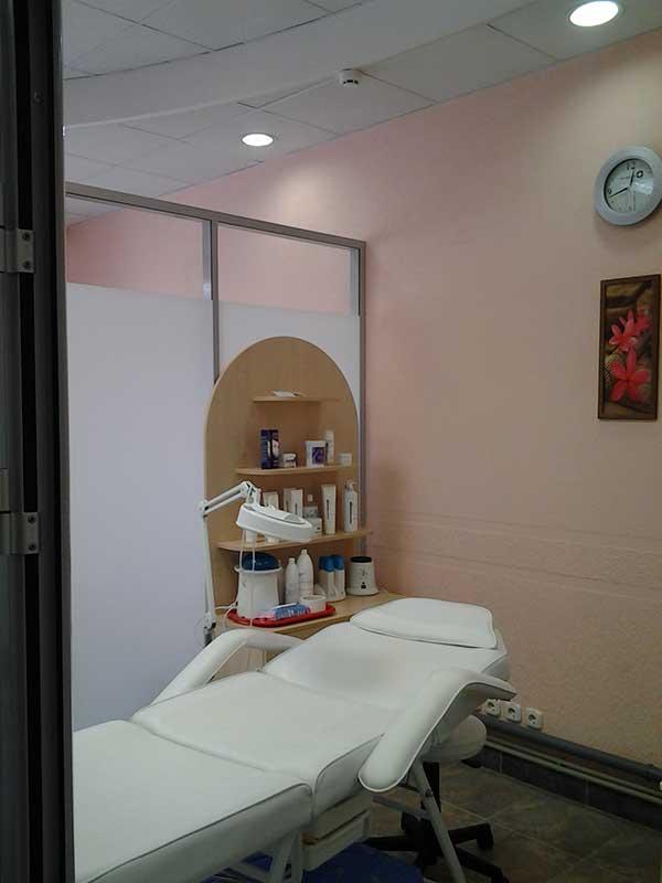 Маникюр, педикюр, покрытие гель-лаком, SPA-уход для рук от 6 руб.