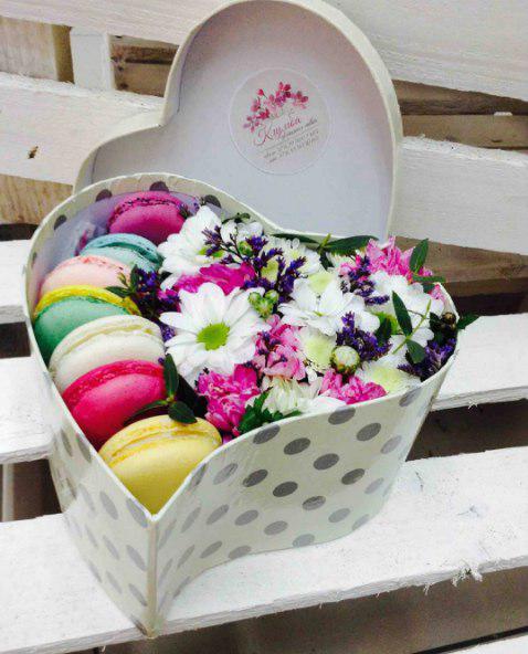 Букеты, композиции, коробки с цветами от 30 руб.