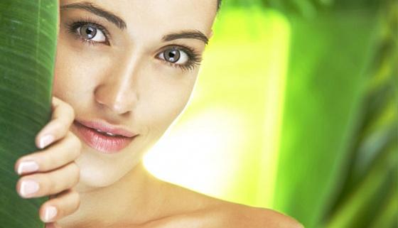 Комплексная гигиеническая чистка лица, всесезонные пилинги от 15 руб.