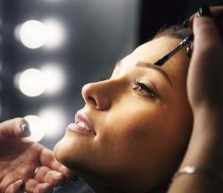 """Окраска ресниц/бровей, моделирование, коррекция, комплексы от 6 руб. в """"Brows & Curls"""""""