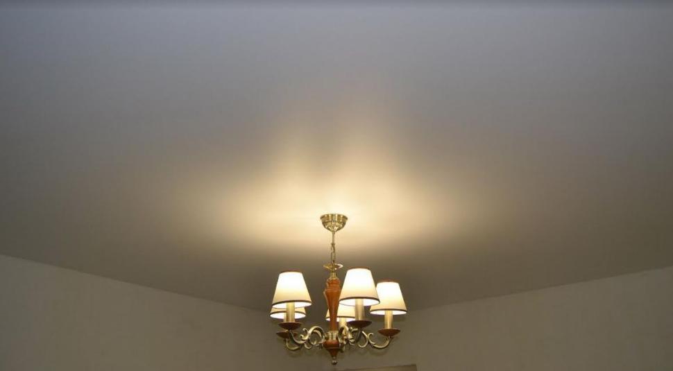 Натяжные потолки от 12 руб, установка и разводка светильников от 9,50 руб.
