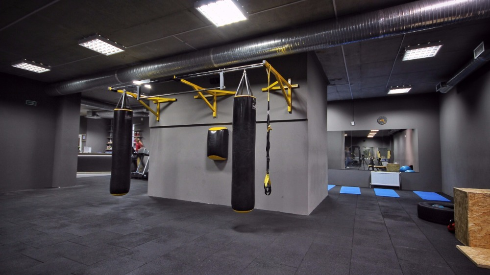 Тренажерный зал: абонементы от 10 руб/4 занятия, бокс от 10 руб.