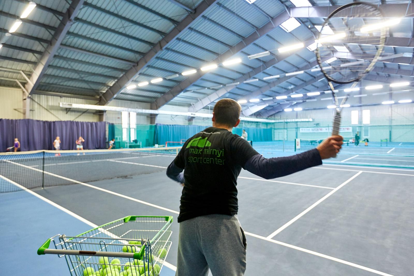Аренда теннисного корта у Макса Мирного всего за 20 руб.