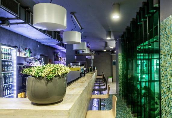 "VIP-комната+водно-термальный комплекс аквапарка ""Лебяжий"" за 60 руб. для пятерых на 2 часа"