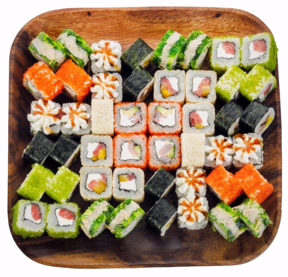 """Суши-сеты от """"Море Суши"""" от 19,50 руб/680 г, стрит-роллы от 3,66 руб."""