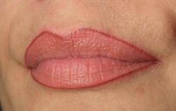 Перманентный макияж и микроблейдинг бровей всего от 25 руб.