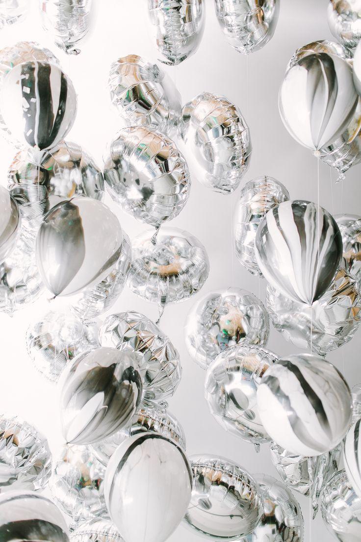 Гелиевые шары от 0,40 руб., светящиеся, светодиодные, фольгированные шарики от 2 руб., шары-гиганты от 7 руб.