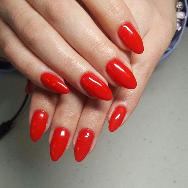 Маникюр/педикюр, долговременное покрытие ногтей от 14 руб.