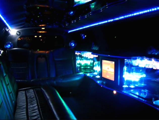Вечеринка, мальчишник, девичник, встреча из роддома на лимузине всего от 80 руб./ч + игристый напиток в подарок!