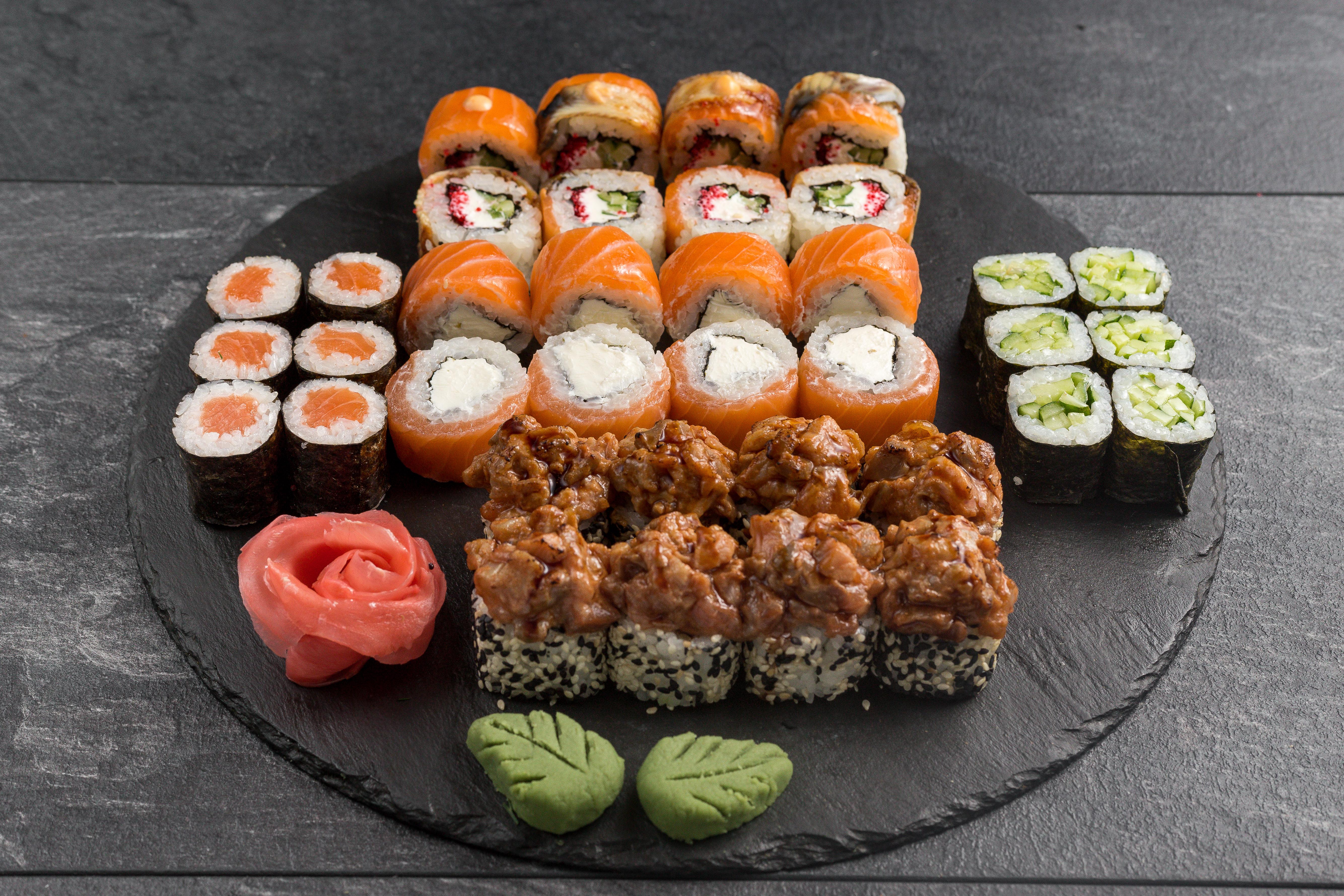 """Суши-сеты от """"ЙО! Суши"""" в кафе или с доставкой от 15 руб/до 1335 г"""