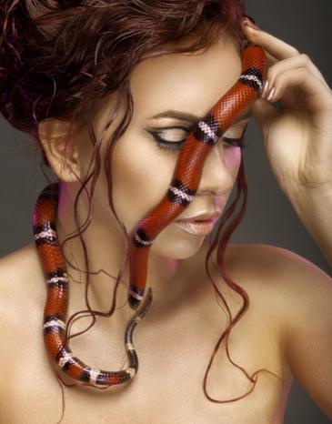 """Мужские и женские стрижки, окрашивание от 16,50 руб. в салоне """"Время SPA"""""""