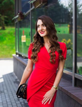 Парикмахерские услуги, окрашивание волос, вечерние прически от Юлии Баланчук от 9 руб.