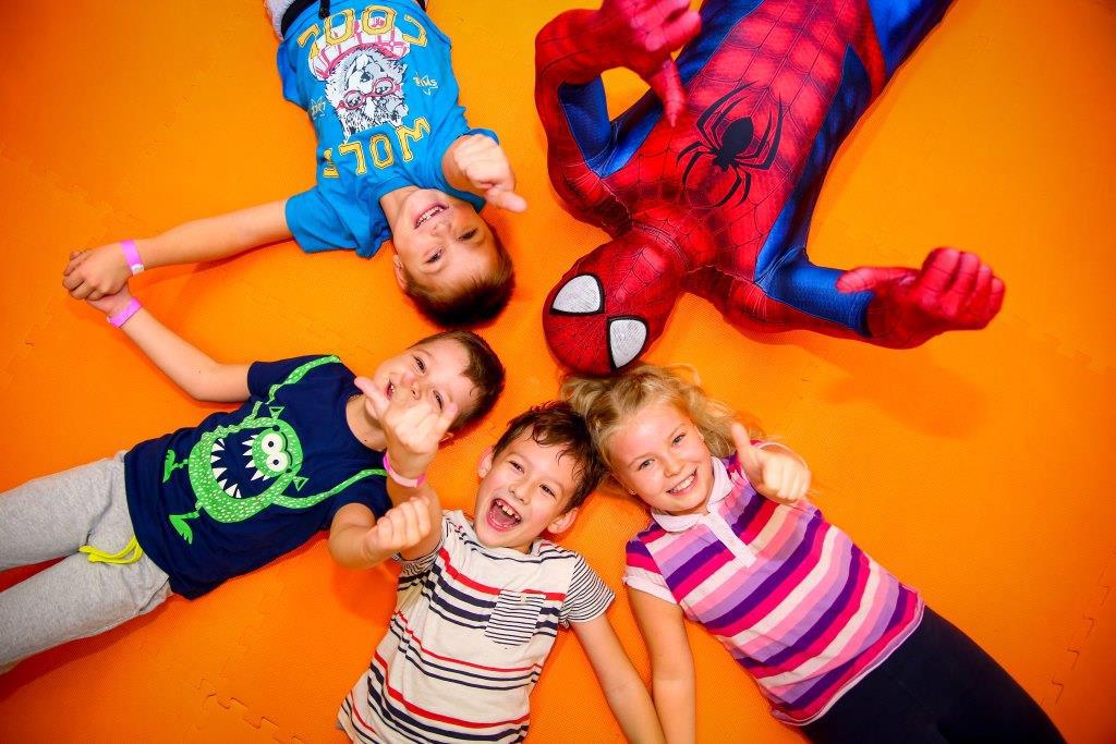 Супергерои, клоуны и др. аниматоры на День рождения от 20 руб.