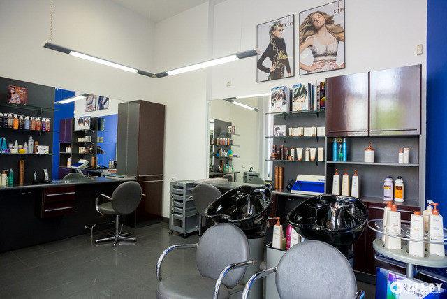 """Мужские и женские стрижки, окрашивание волос в один тон от 5,80 руб. от салон-парикмахерской """"КИН"""""""