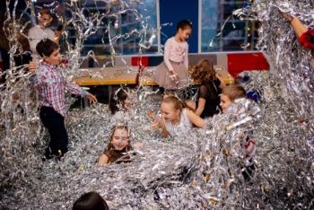 """Дед Мороз и Снегурочка на детский праздник от студии """"Happy service"""" от 30 руб."""