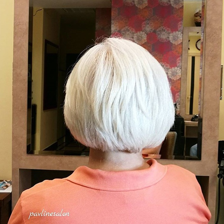 """Однотонное окрашивание волос """"Matrix или L'Oreal"""", стрижка от 18 руб. в салоне красоты """"Pavlin"""""""