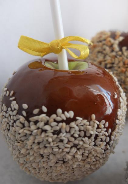 Имбирное печенье к празднику, яблоки в карамели, мастер-классы от 3 руб.