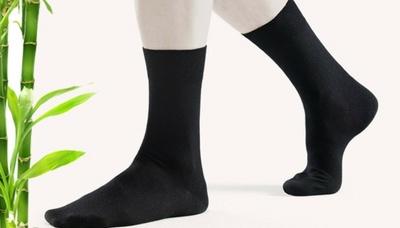 Женские носочки в банках, перчатки iGlove для сенсорных экранов от 5,90 руб.
