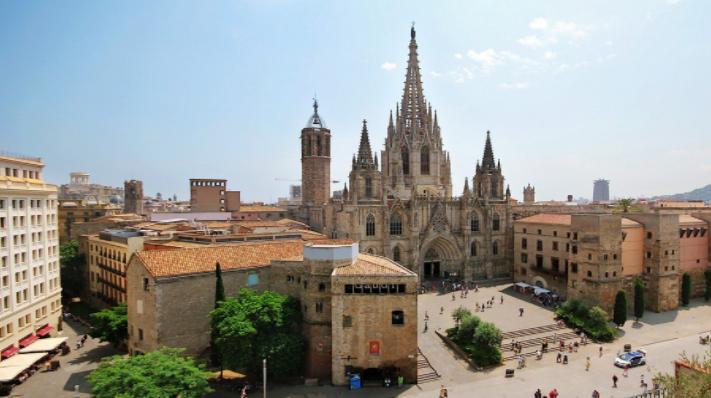"""Туры """"Под испанскими парусами"""" и """"Два полюса страсти: Париж + Мадрид"""" от 458 руб/от 12 дней"""