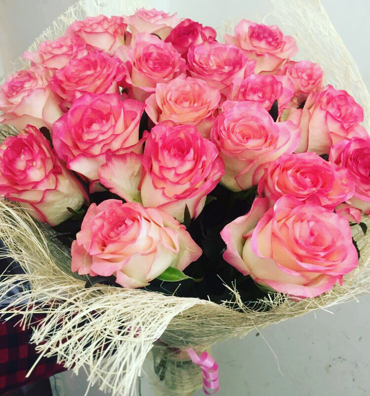 Свежие розы, ромашки по доступным ценам от 1,40 руб/шт с доставкой в Минске