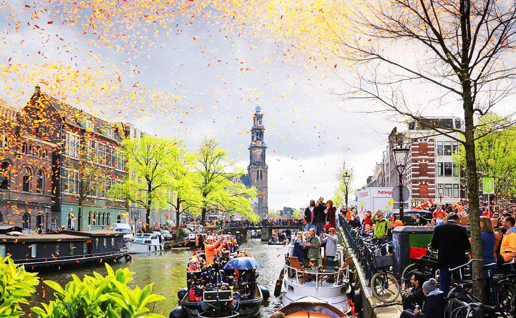 """Тур """"Уикенд в Амстердаме + День рождения Короля"""" от 555 руб/5 дней"""
