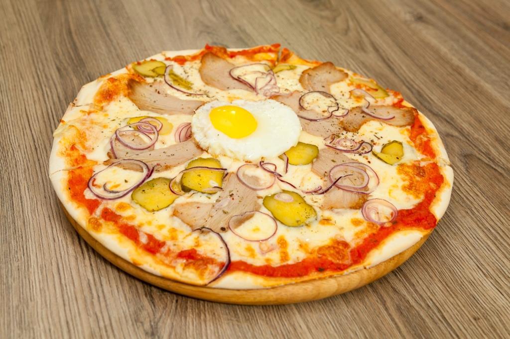 """Чикенбургер, пиццы в баре """"Billie Jean BAR"""" всего за 6,50 руб."""