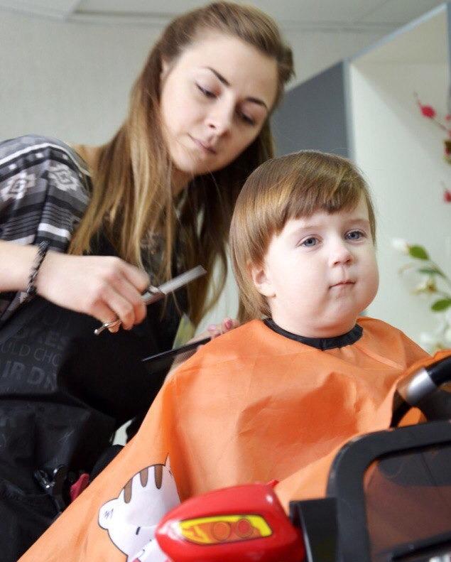 """Детская стрижка, первая стрижка малыша, праздничная прическа, плетение от 9,50 руб. в студии-парикмахерской """"ОДи"""""""