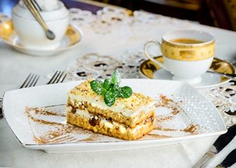 """Десертный сет, ужин на выбор в ресторане """"Русские сезоны"""" от 11,50 руб."""