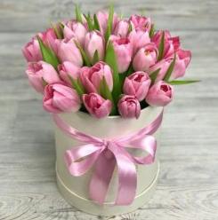 Тюльпаны, розы, альстермерии, ирис от 1,80 руб/шт, композиции, цветы в коробках от 31,50 руб.