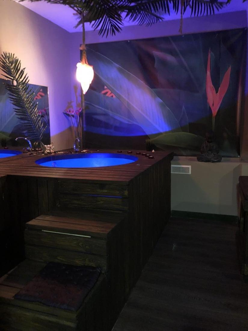 "Тайские массажи, SPA-массаж, SPA-программы для двоих от 5 руб. в Spa-салоне ""Tropical Island"""