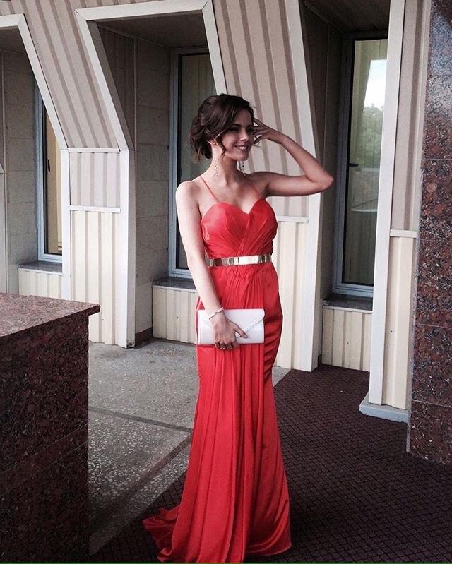 """Прокат брендовых дизайнерских платьев всего от 30 руб. от """"Аренда Бренда"""""""