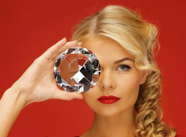 Ультразвуковая и алмазная чистка лица, радиолифтинг лица от 15,50 руб.