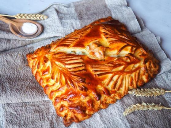 """Три пирога: с шампиньонами, красной рыбой, черной смородиной от 7,20 руб. от кафе-пироговой """"Штолле"""""""