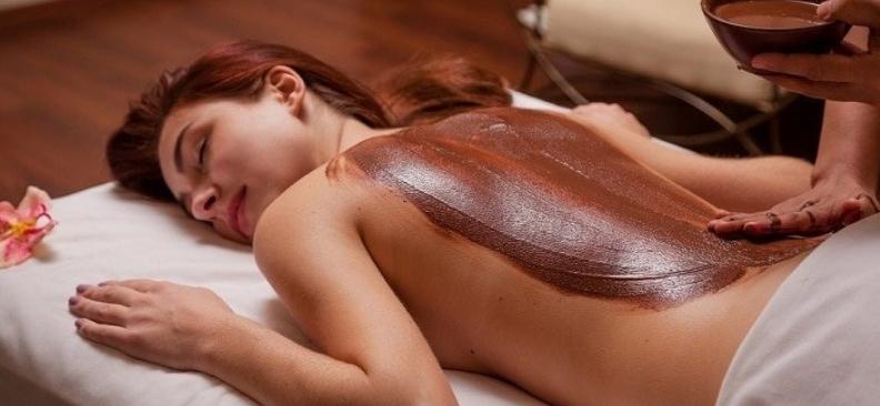"""Релаксирующий массаж горячими камнями, шоколадное обертывание от 21 руб. в салоне-парикмахерской """"Симпатия"""""""