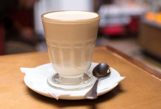 """Кофе/чай + десерт в гастробаре """"Орел и Решка"""" от 3 руб."""
