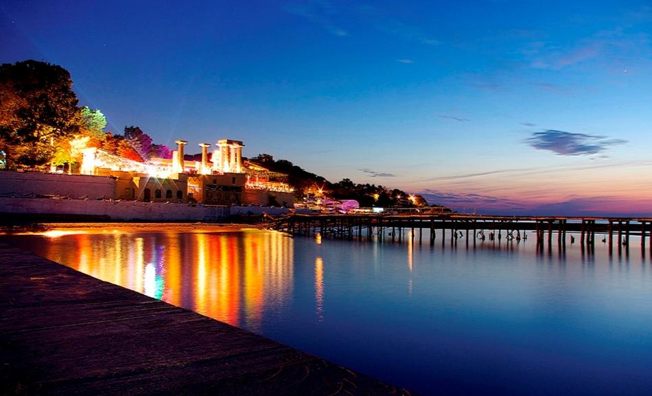 """Тур в Одессу: отдых на море + шопинг + экскурсии от 220 руб/4 дня с компанией """"Альбинакрок"""""""