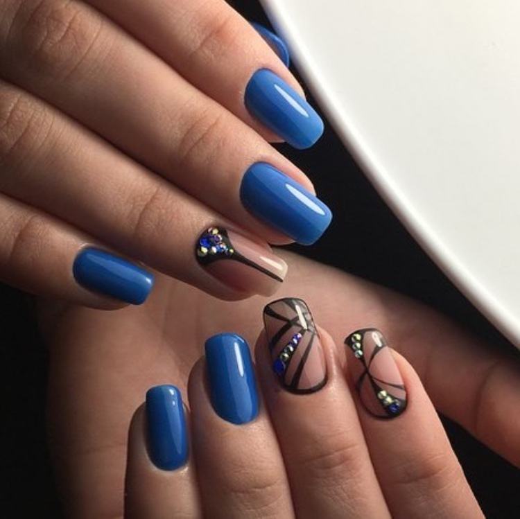 """Маникюр/педикюр + долговременное покрытие, наращивание ногтей от 8 руб. в студии красоты """"Luxor"""""""