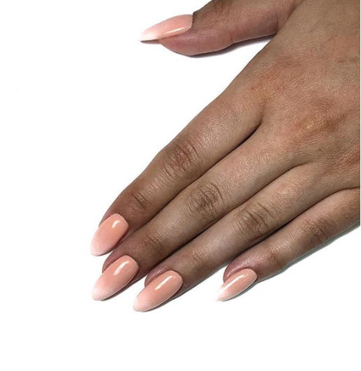 Маникюр/педикюр класса люкс + долговременное покрытие, наращивание ногтей от 7,50 руб.