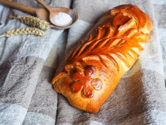 """Пироги """"Штолле"""": с грибами, картофелем и сыром Дор Блю, садовыми ягодами от 7,20 руб (до 1 кг)"""