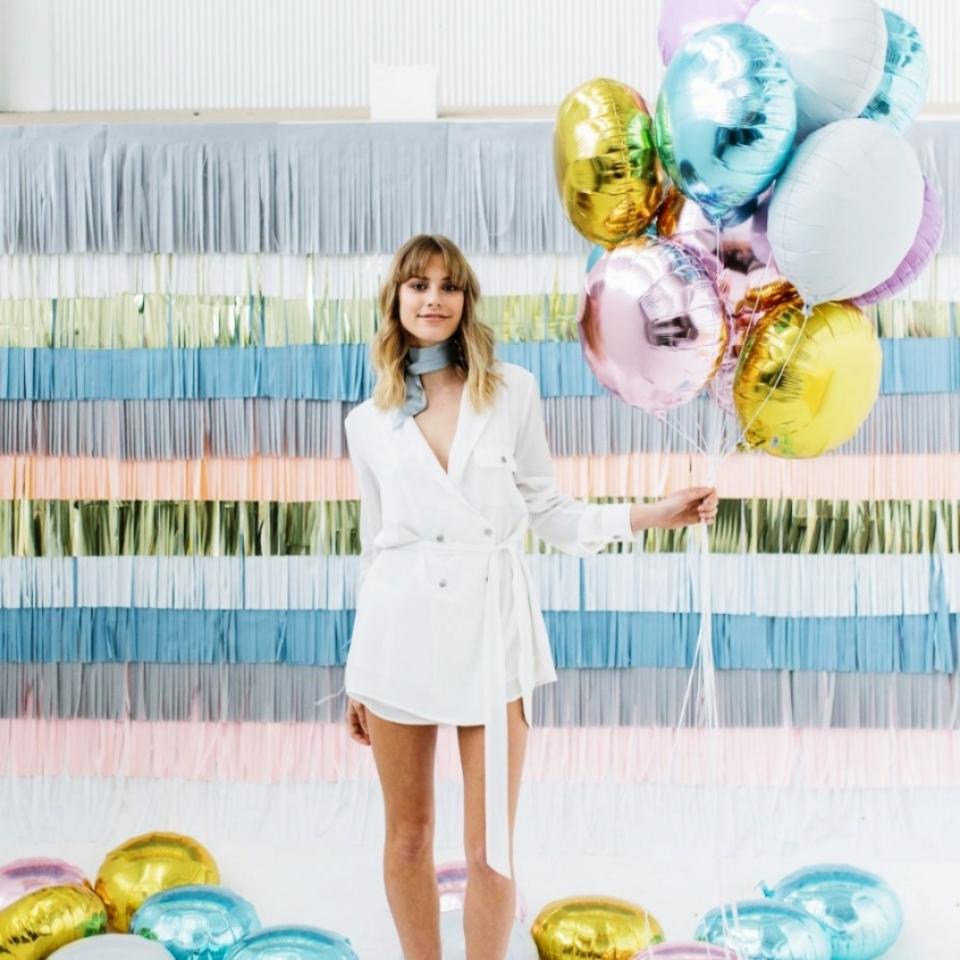 Гелиевые, воздушные, светящиеся, фольгированные, шары с конфетти от 0,50 руб.