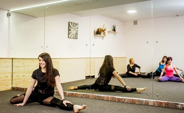"""Абонементы: пилатес, фитнес, интенсив, идеальное тело от 3,25 руб/занятие в студия танца и фитнеса  """"Happy"""""""
