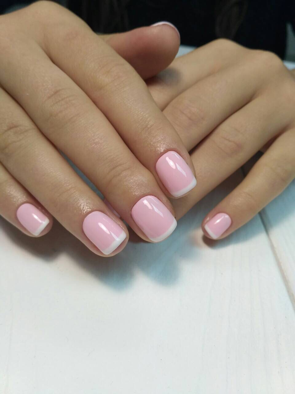 Женский маникюр, наращивание, уход за ногтями и руками от 8 руб.