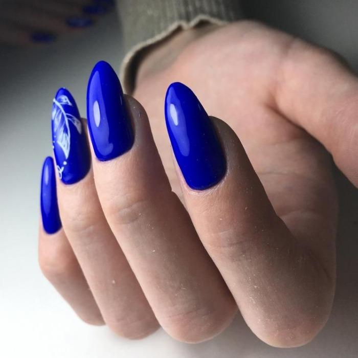 Маникюр, педикюр + долговременное покрытие, наращивание ногтей от 12 руб.