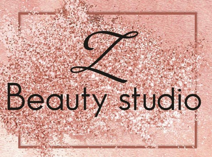 """Различные виды маникюра, педикюра, долговременное покрытие от 17 руб. в """"Z Beauty Studio"""""""